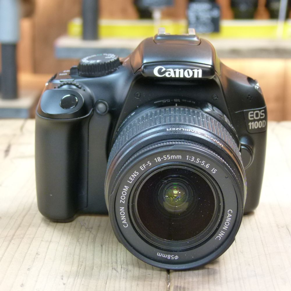 Schoudertas Canon Eos 1100d : Used canon eos d dslr with ef s mm is lens