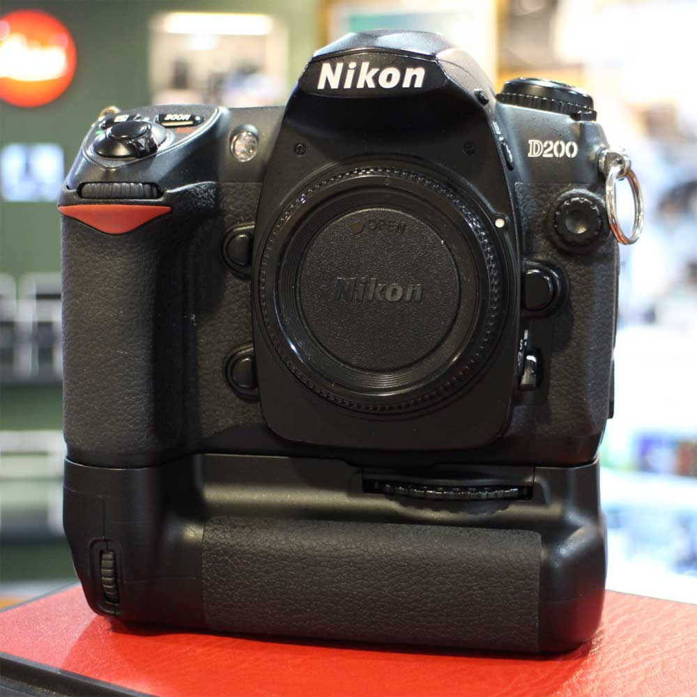 Camera Nikon D200 Dslr Camera used nikon d200 dslr camera body with mb battery grip all items are fully tested by a qualified member of our team before being offered online we offer 14 days money back guara