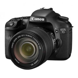 Canon EOS 7D Digital SLR Camera and 15-85mm IS Lens Kit