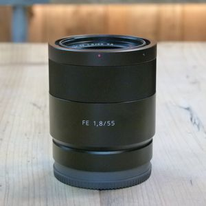 Used Sony FE 55mm f1.8 ZA Carl Zeiss Sonnar T* Lens
