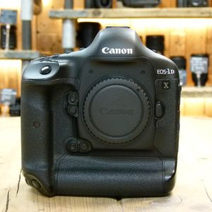 Used Canon EOS 1DX DSLR Camera Body