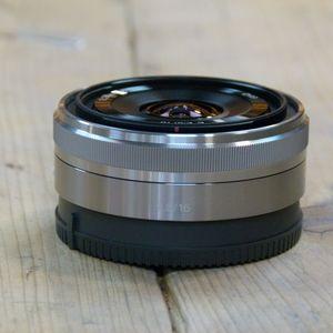 Used Sony  E 16mm F2.8 Silver Pancake Lens