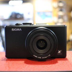 Used Sigma DP2 Compact Camera