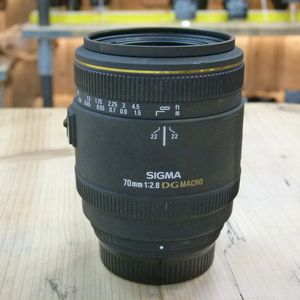 Used Sigma 70mm F2.8 DG Macro Lens - Nikon Fit