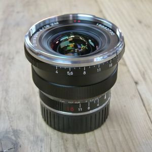 Used Carl Zeiss ZM 18mm F4 Distagon T* Lens - Leica M Fit