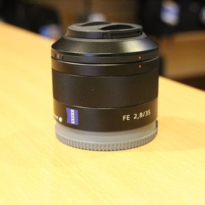 Used Sony FE 35mm f2.8 ZA Carl Zeiss Sonnar T* Lens