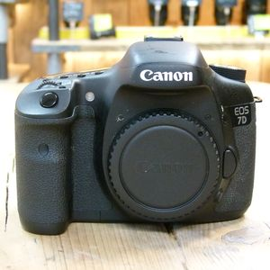 Used Canon EOS 7D D-SLR Camera Body