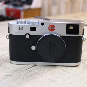 Used Leica M 240 Digital Rangefinder Silver Chrome Camera 10771