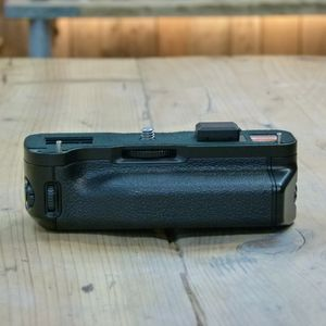 Used Fujifilm X-T1  Vertical Battery Grip VG-XT1