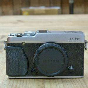 Used Fujifilm X-E2 Silver Camera Body