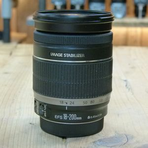 Used Canon EF-S 18-200mm IS Lens