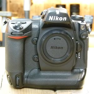 Used Nikon D2XS Professional DSLR Camera Body