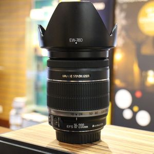 Used Canon EF-S 18-200mm F3.5-5.6 IS Lens