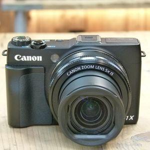 Used Canon Powershot G1X  Mark II Digital Camera with Case