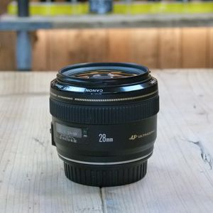 Used Canon EF 28mm f1.8 USM Lens