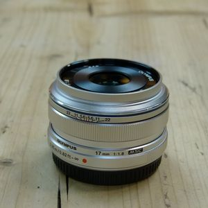 Used Olympus 17mm f1.8 M.ZUIKO Silver Micro Four Thirds Lens