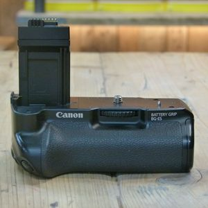 Used Canon BG-E5 Battery Grip for EOS 450D 500D