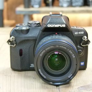 Used Olympus E-410 Camera body with 14-42mm Lens