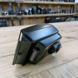 Used Olympus T32 Electronic Flash for 35mm Film cameras