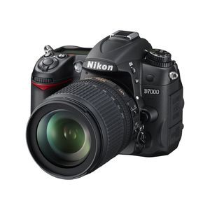 Nikon D7000 D-SLR Digital Camera Body & 18-105mm VR Lens
