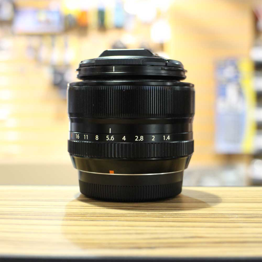 Fuji 35mm F1 4: Used Fuji XF 35mm F1.4 R Lens